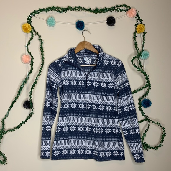 Old Navy Tops - Old Navy Fleece Winter Patterned Pullover